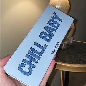 kylie cosmetics chill baby palette